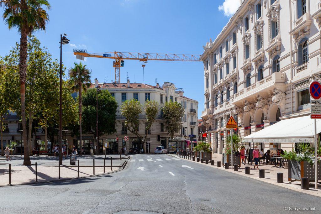 Acapace grue Antibes Place de Gaulle