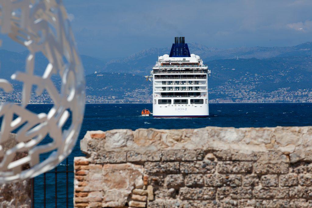 antibes cruise ships bateaux croisière