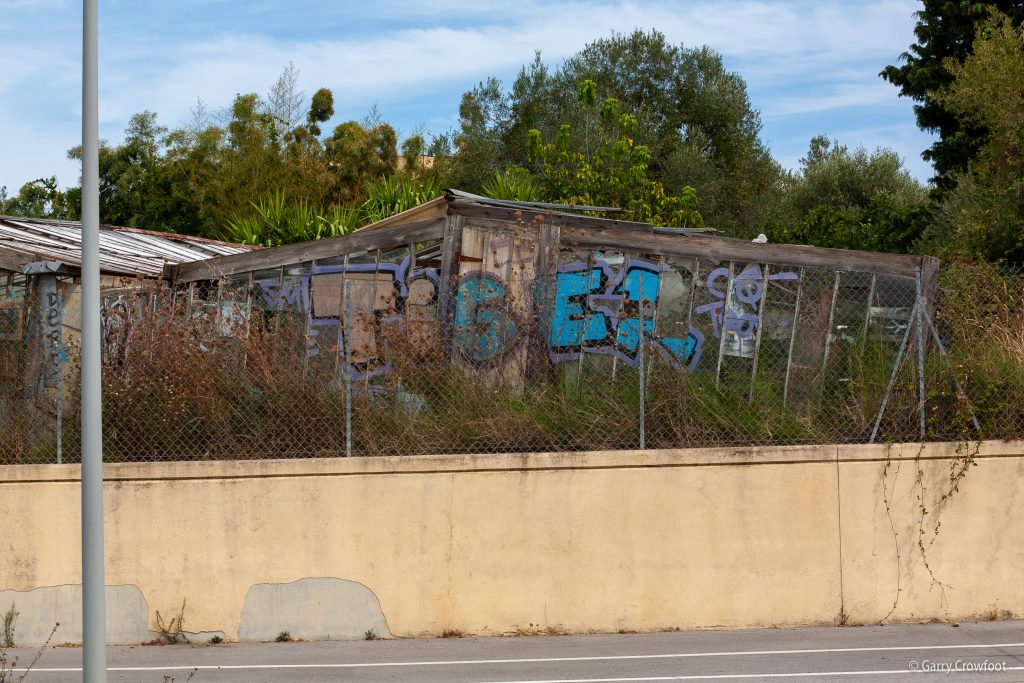 Serres abandonnés Jules Grec Antibes tags