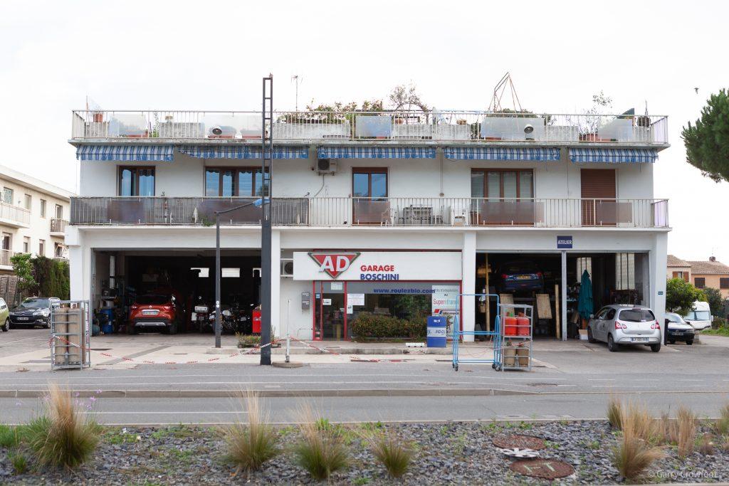 jules grec station service antibes