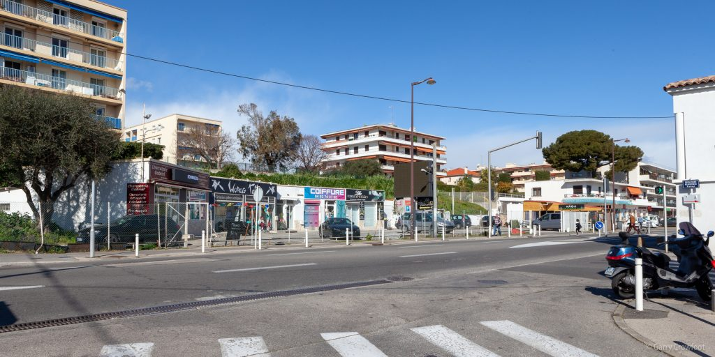 station service magasins antibes