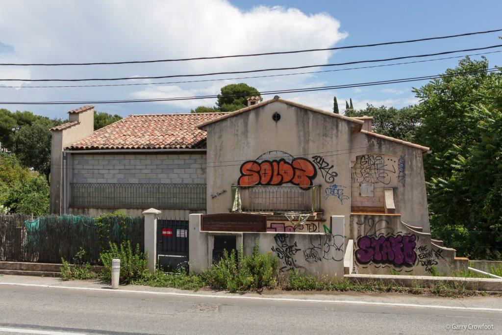 2ème avenue Antibes maison murée