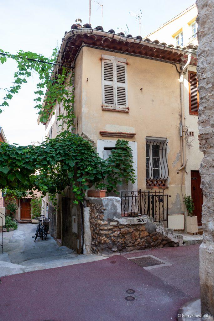 Maison murée rue de la Pompe Antibes