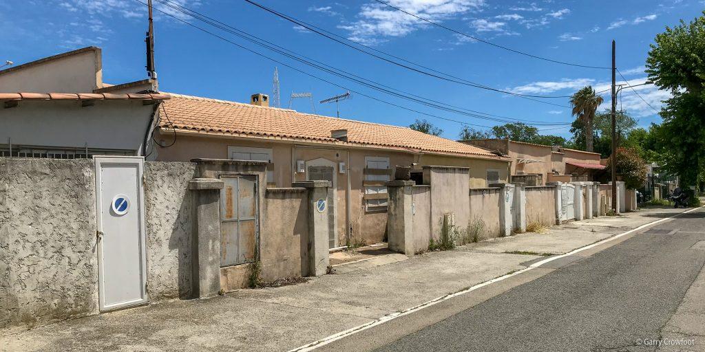 Pylone Antibes maison murée