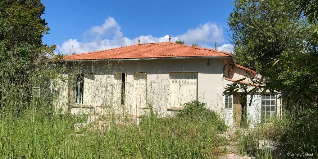 Groules Antibes maison murée