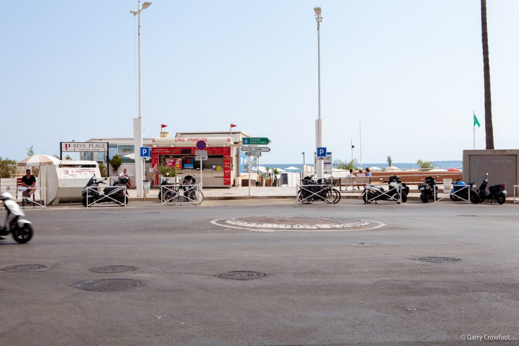 Rond Point Courbet Juan Antibes