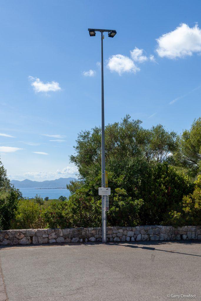 Camera video surveillance Antibes cap chapelle garoupe panneau CNIL