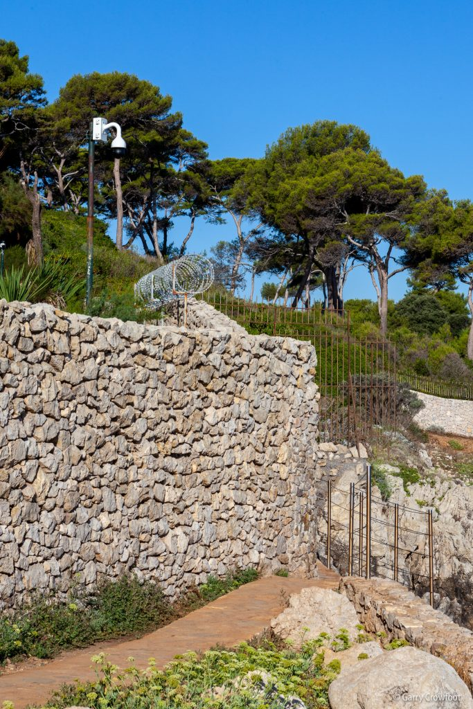 Camera video surveillance Antibes Garoupe Tir Poil sentier