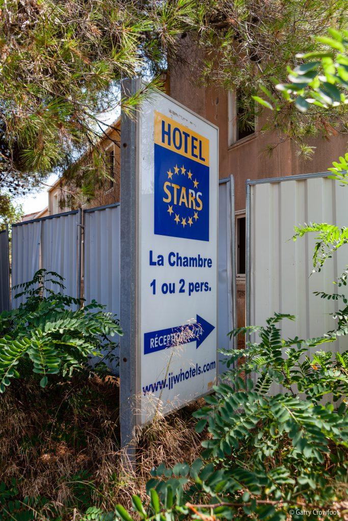 Hotel Stars transformation hôtel en hlm panneau