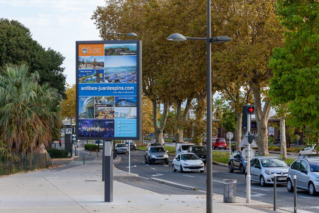 Publicité vidéo RN7 avenue de Nice Antibes