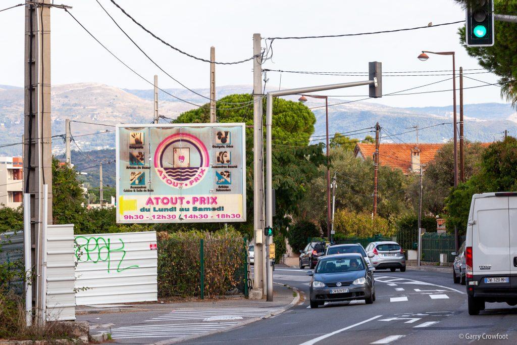 Publicité fixe RN7 avenue de Nice Antibes