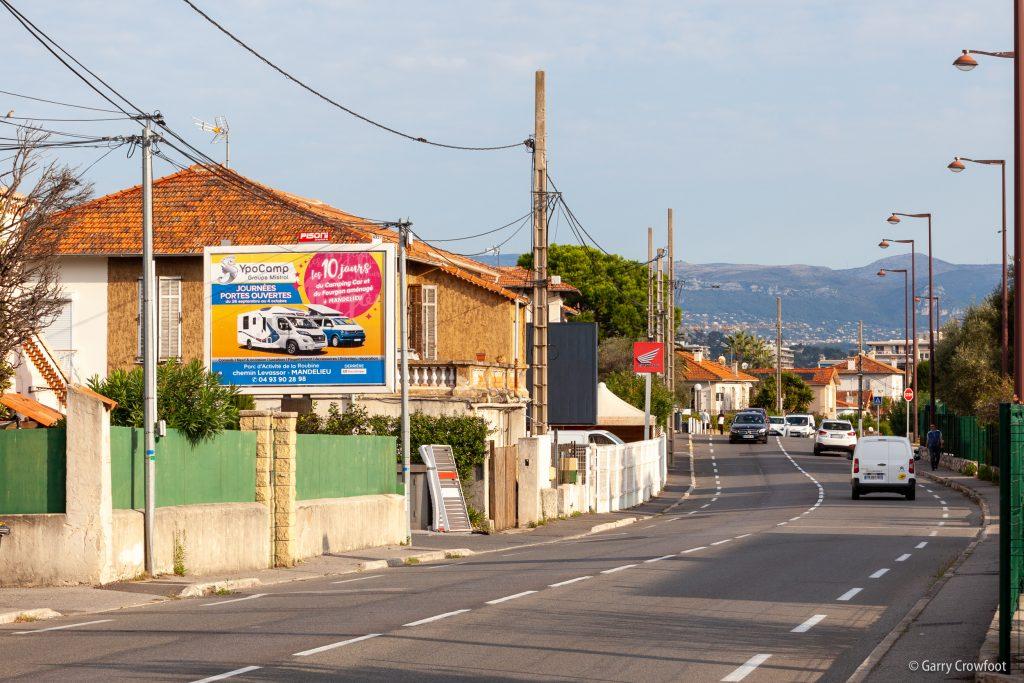 Publicité fixe RN7 53 avenue de Nice Antibes