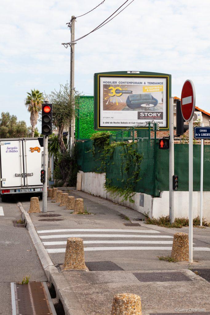 Publicité déroulante 420 avenue de Nice Antibes
