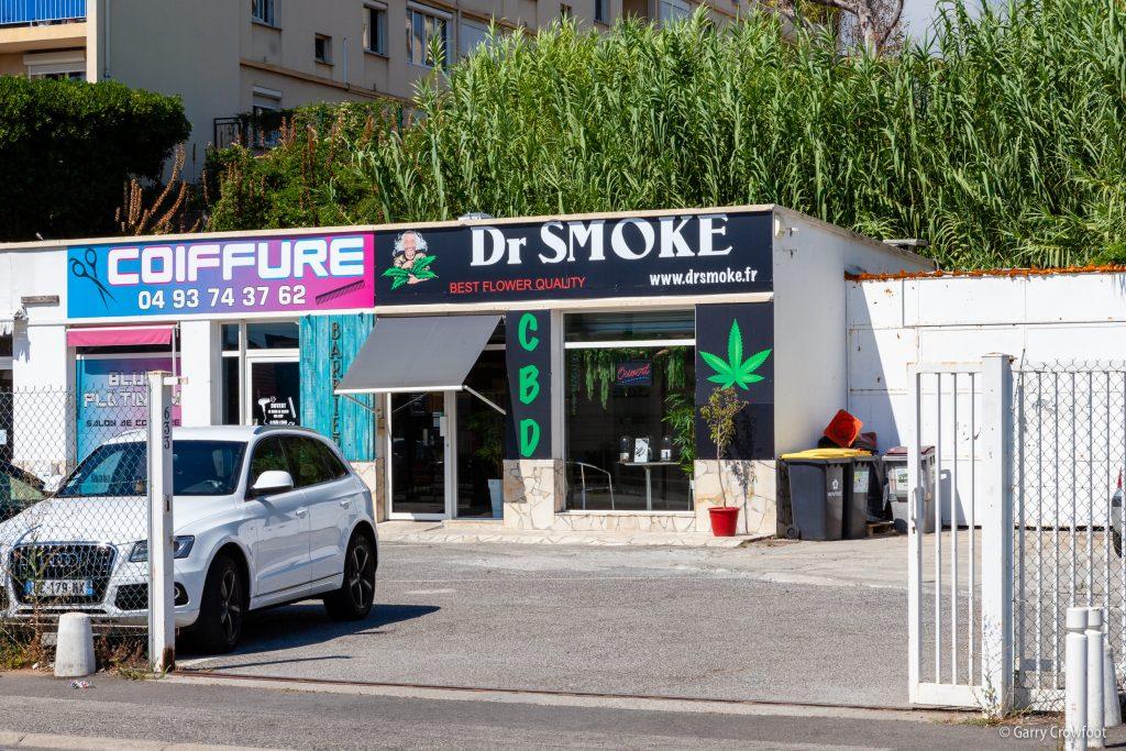 Dr Smoke Avenue de Nice Antibes CBD