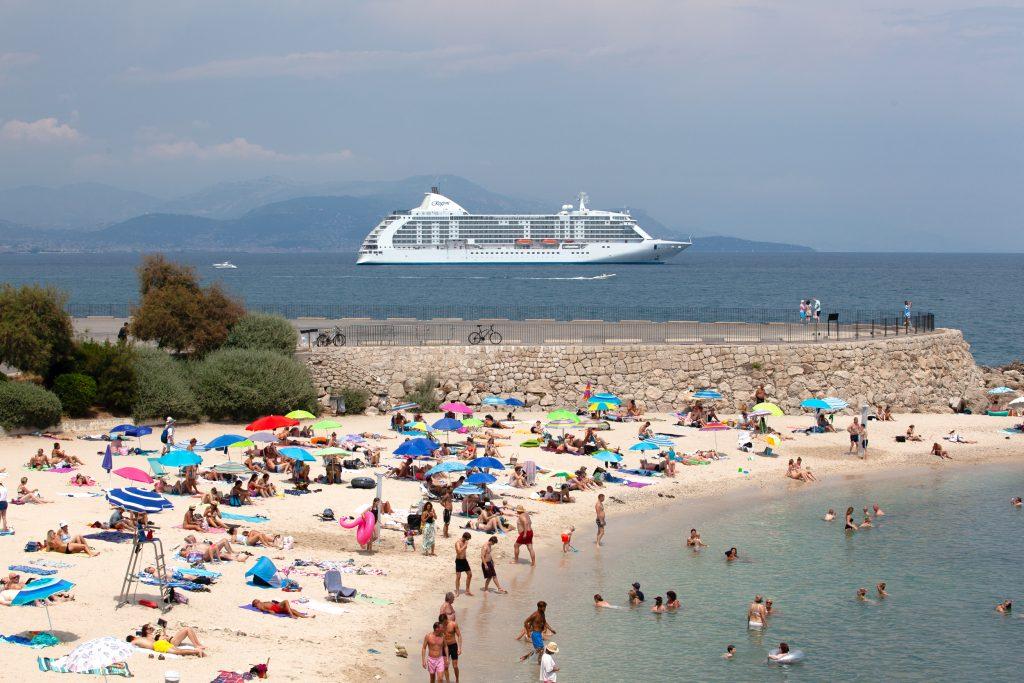 Cruise ship Gravette Antibes