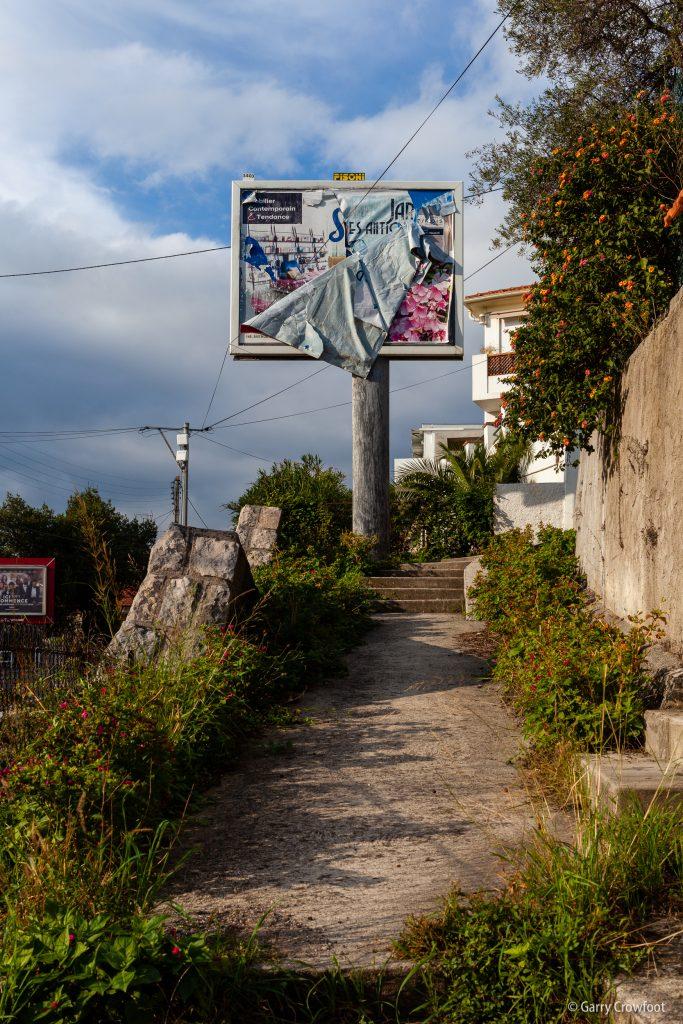 Panneau publicitaire avenue Philippe-Rochat Antibes