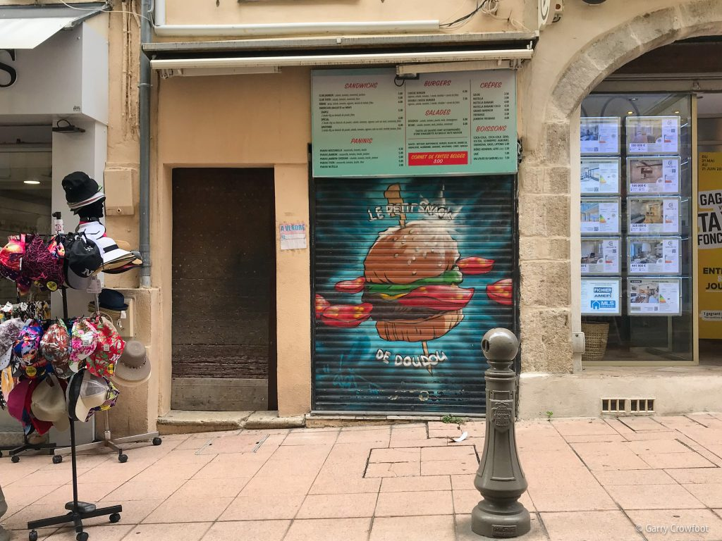 Petit snack doudou rue République Antibes 2021